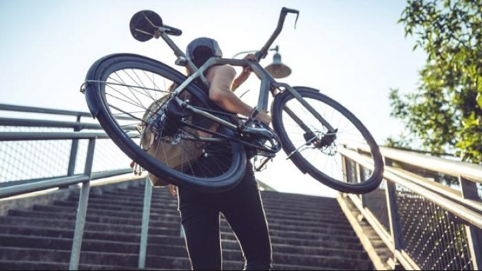 Một người xa lạ không quen biết trong giấc mơ của chúng ta bị mất xe đạp chứng tỏ bạn sắp có người yêu