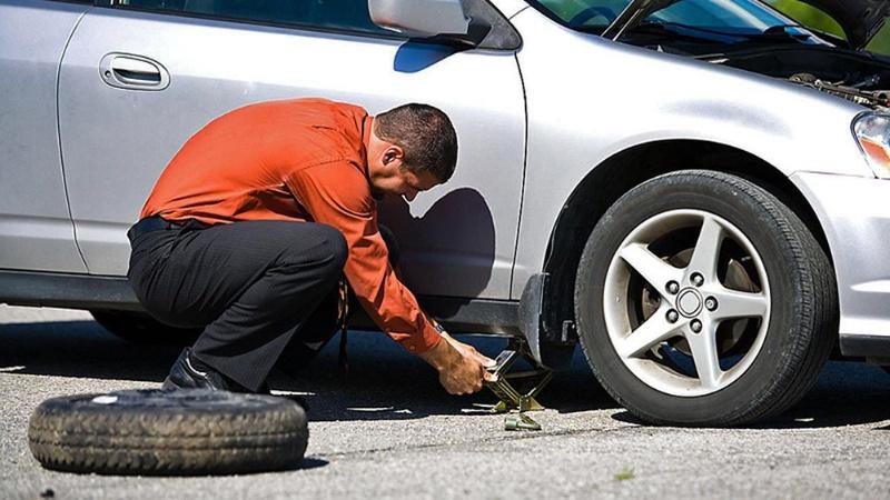Nằm mơ lái xe ô tô bị thủng lốp đánh ngay cặp số 11 - 97 để khởi sắc hơn